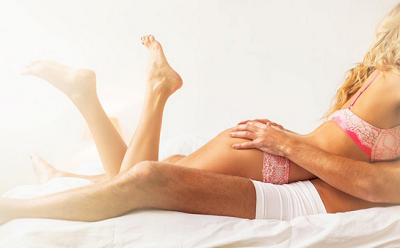 让男朋友控制不住的行为 八个动作充满诱惑